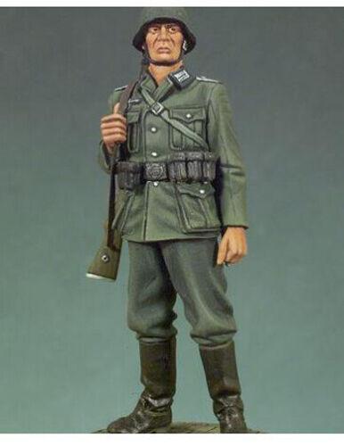 1//35 Resin German Infantryman Private WWII unpainted unassembled M02