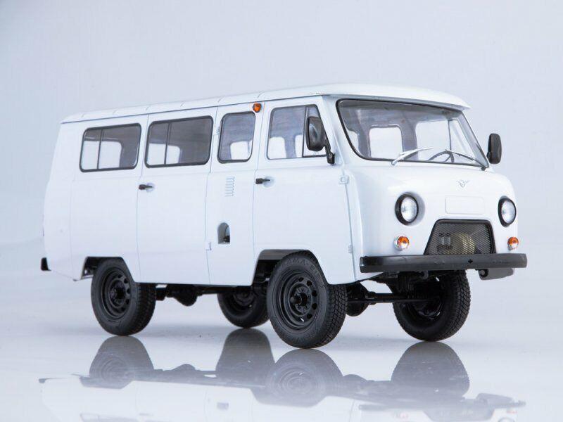 estilo clásico Escala modelo modelo modelo 1 18 UAZ-2206 blancoo 1997  buena calidad