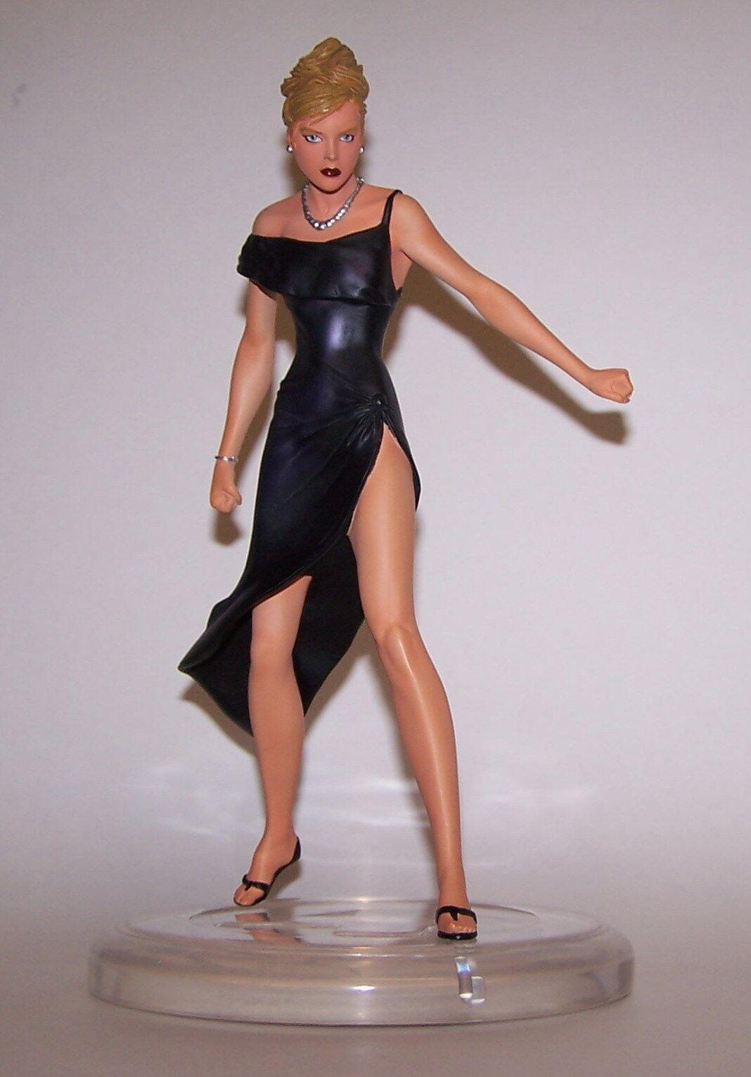 venta de ofertas Sue Storm Storm Storm ropa formal Estatua Edición Limitada 516 1000 Nuevo En Caja Marvel 2007  calidad de primera clase