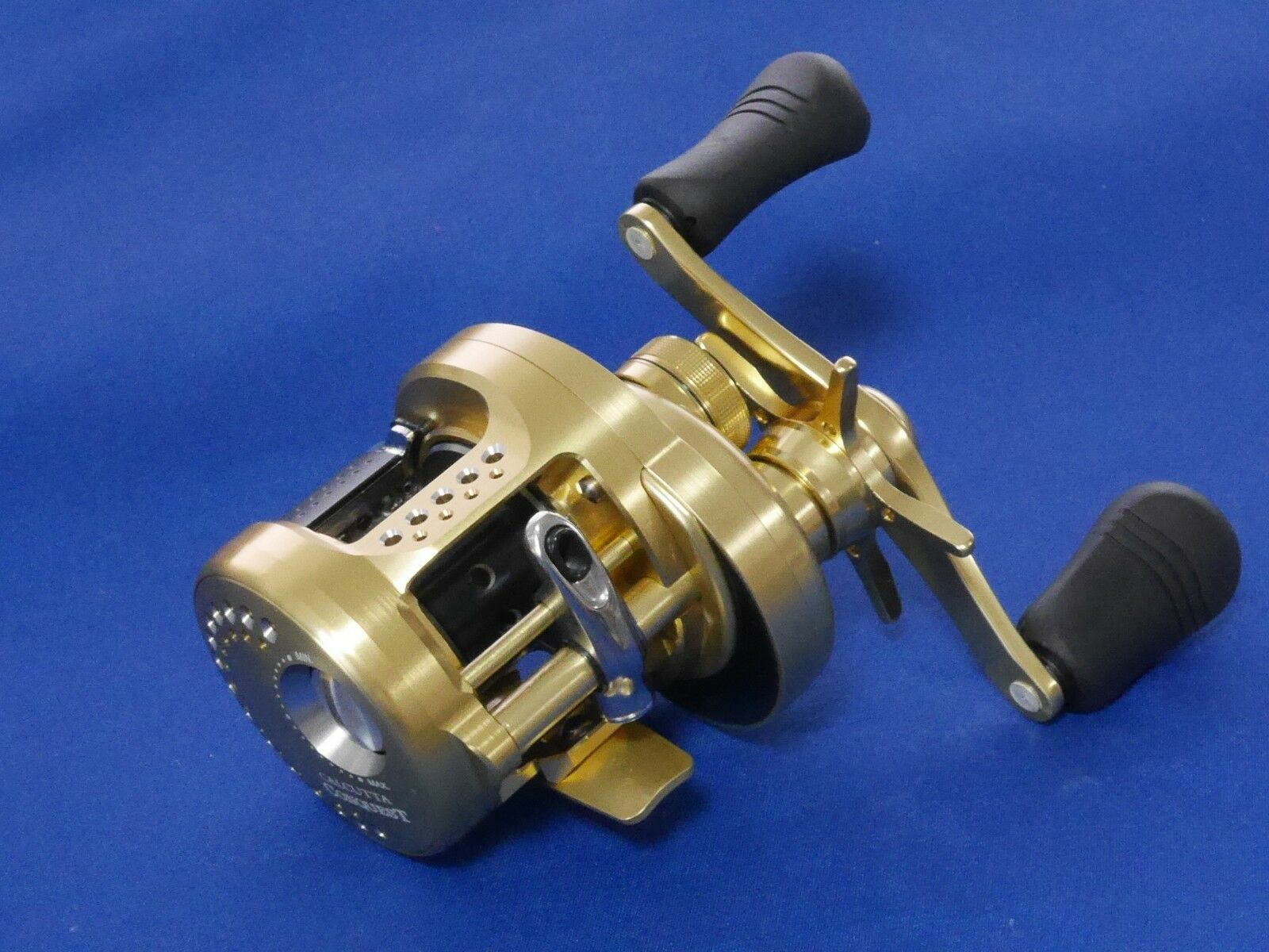 Shimano 15 Calcutta Conquest 101HG Left  Fishing REEL From JAPAN