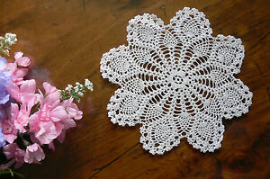 Hand-CROCHET-DOILIES-Fine-Cotton-WHITE-Pineapple-Rnd-Approx-16-17cm-across-Each