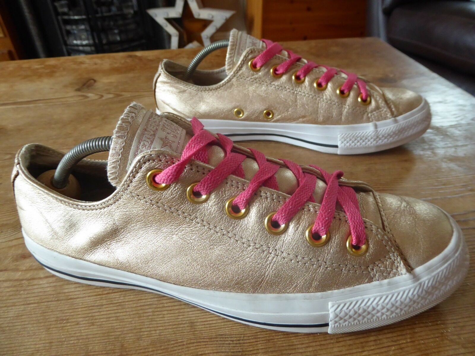 Womens leather CONVERSE low rise - size uk 6 fair good condition