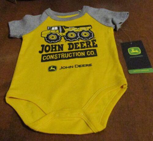 John Deere boy/'s one-piece yellow w//gray sleeves /'JOHN DEERE CONSTRUCTION/'