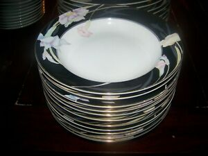 SET-of-5-Vintage-Mikasa-Charisma-Black-RIMMED-soup-bowls-LKNU