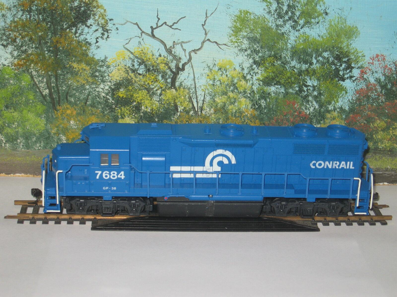 CON-COR HO SCALE EMD GP-38 CONRAIL