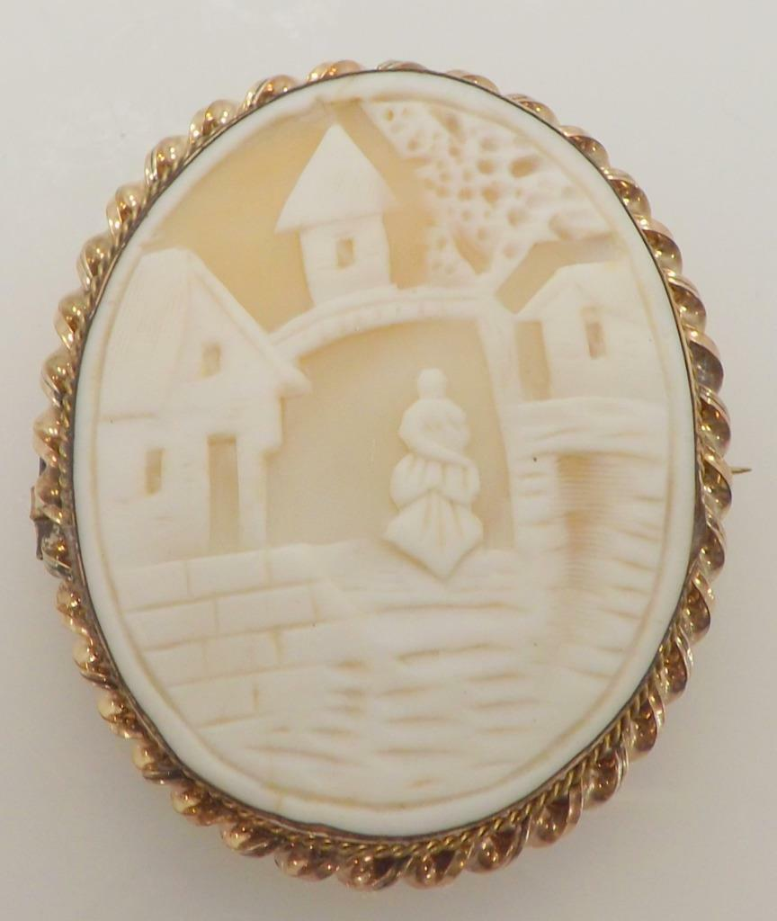 RARE VINTAGE 14K YELLOW gold SHELL CAMEO OLD WORLD VILLAGE SCENE BROOCH ITALY