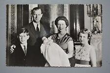 R&L Postcard: HM Queen Elizabeth II Family Portrait, Prince Philip, Charles Anne