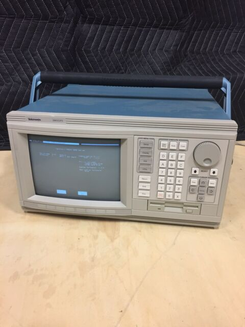 Tektronix Logic Analyzer 3001GPX W/ Module 32GPD