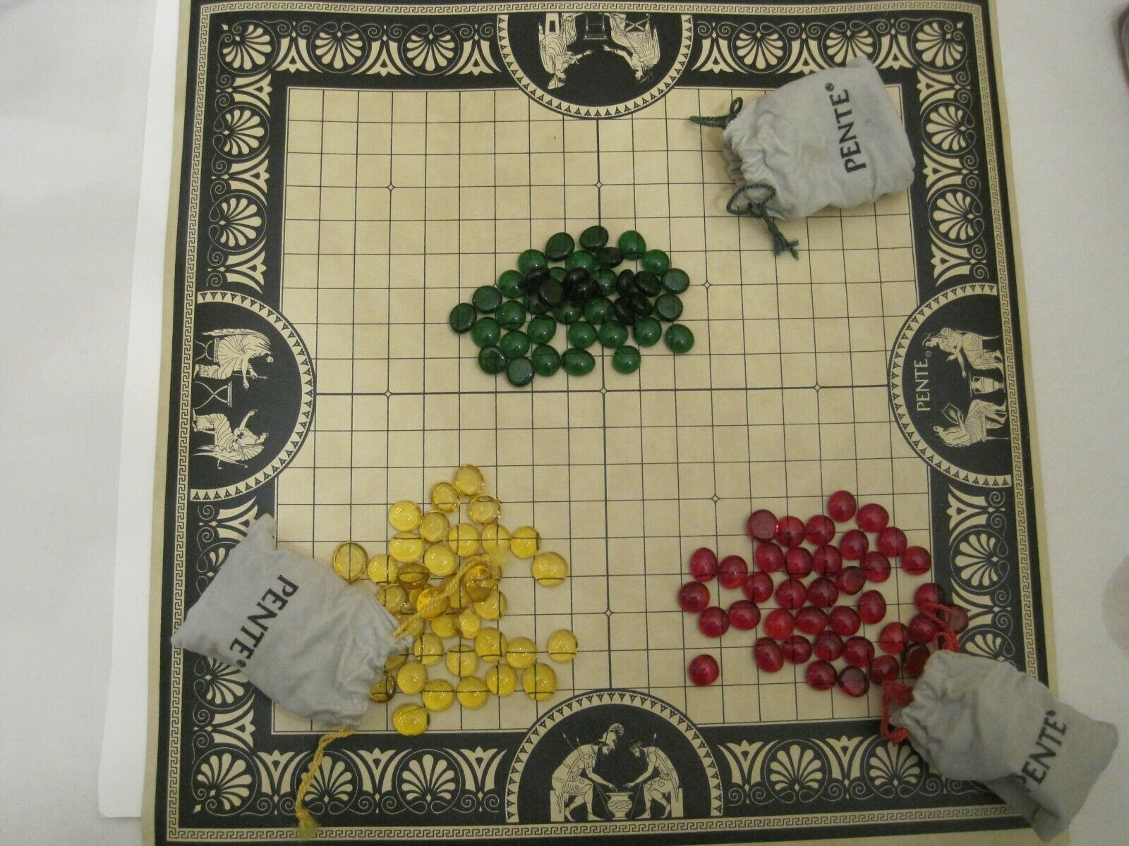 1982 Pente The Classic Game of Skill Vintage Strategy Game in rosso Tube 3 players