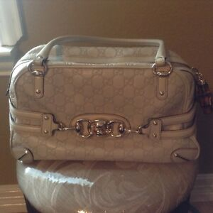 1356bd59757 GUCCI Guccissima Ivory Leather Wave Boston Bag with bamboo zipper ...