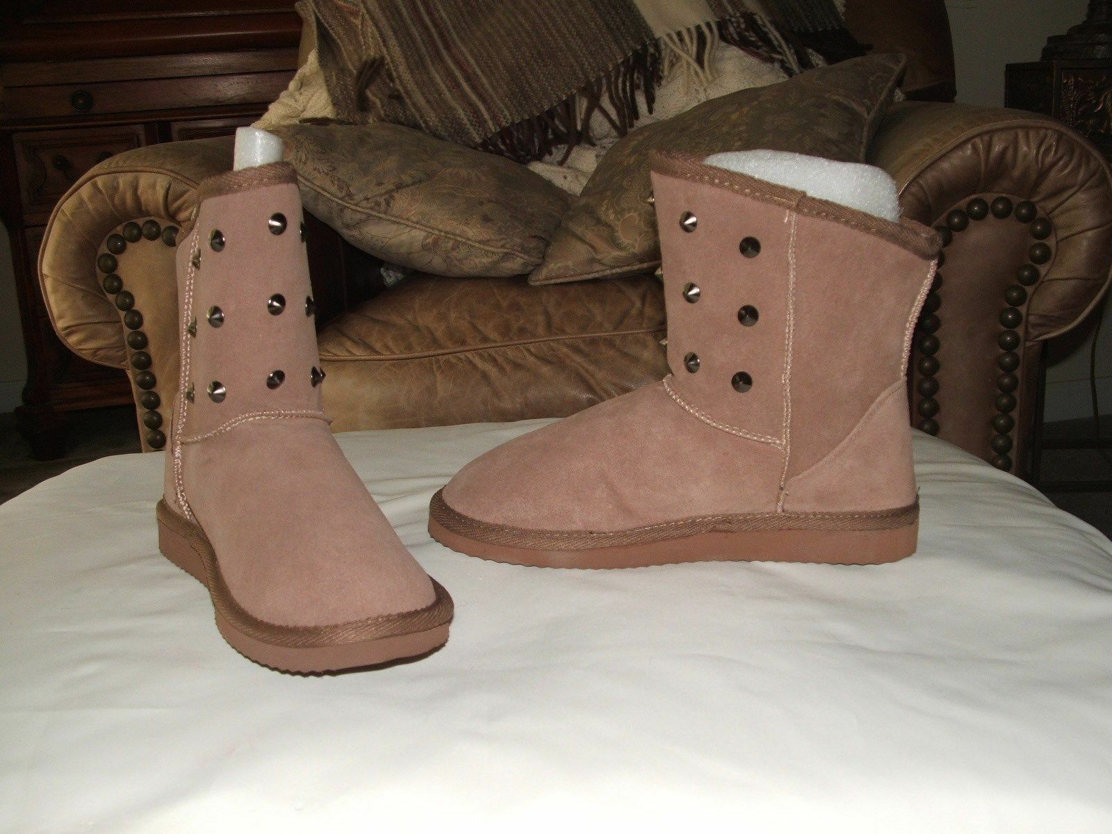 NEW IN Box Arizona Sand Suede Casual faux sheepskin lined Boots  size 6 m