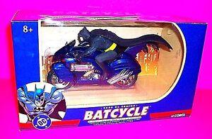 Batman w Cape DIE-CAST BATCYCLE 2000 DC Comics Corgi 1:16 Scale Motor Cycle MINT