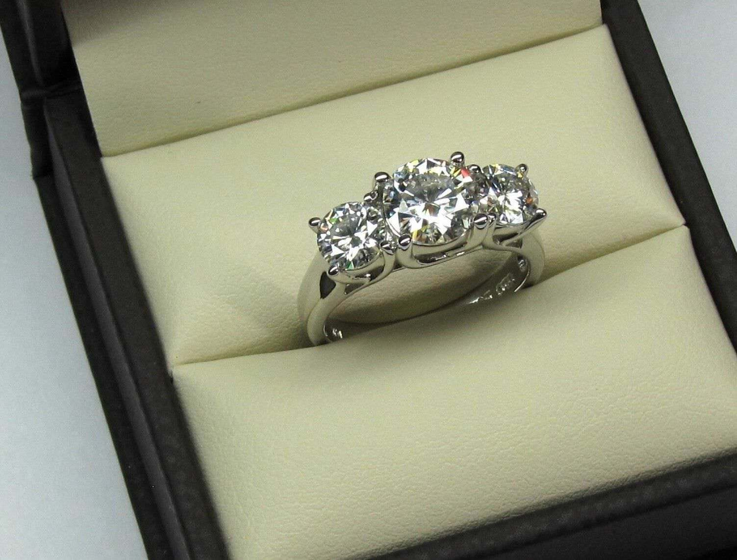 2.60 Ct Round Cut 3 Stone Diamond Engagement Ring 14K Real White gold Size 5 6 7