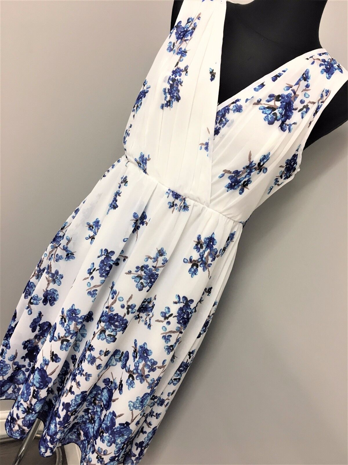 Little mistress wrap front dress in border floral print white (AS30 18)