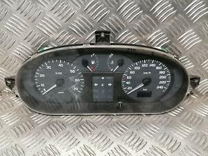 Compteur de vitesse - RENAULT Megane I (1) 1.9 DCi 272.200kms - Réf : 8200071811