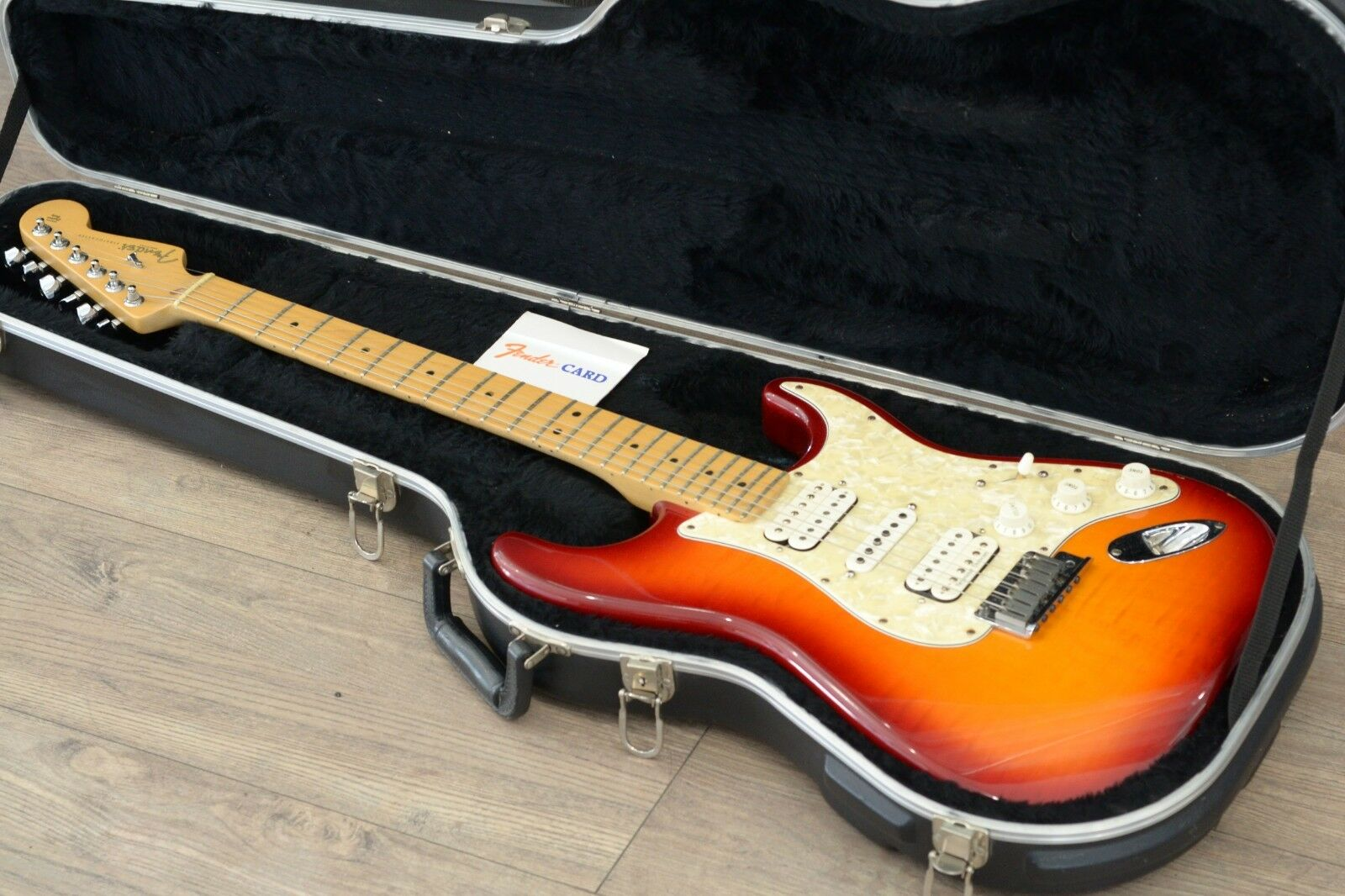 Fender Stratocaster Guitar Special Edition With Case FSR AM STRAT MN C