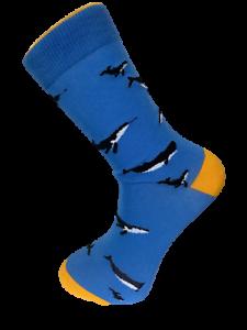 Frederick-Thomas-light-blue-mens-cotton-socks-with-whale-design