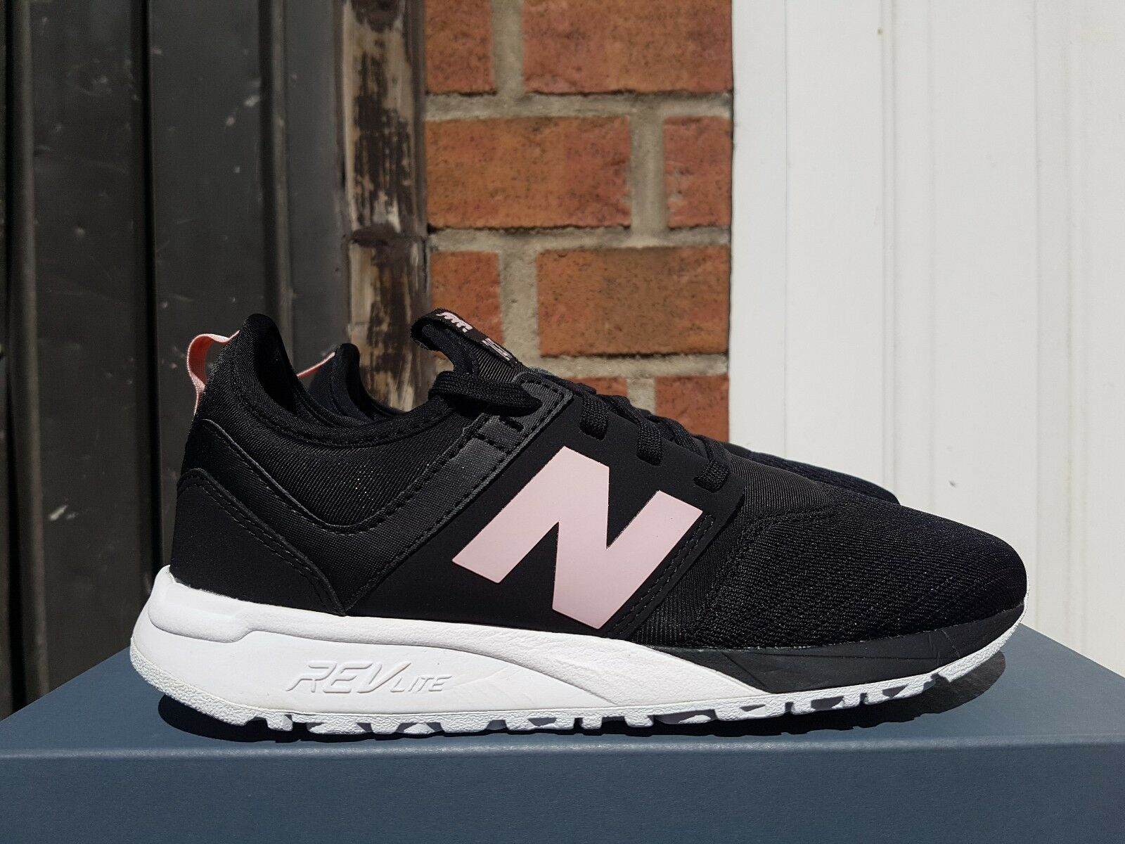 NEW IN THE BOX NEW BALANCE WRL247EP BLACK/PINK DETAILS FOR WOMEN
