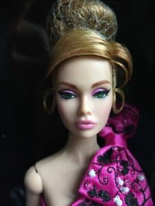 IN STOC Fashion Royalty Nu Face Nirvana New in Box  Dominique Makeda Dol,l NRFB