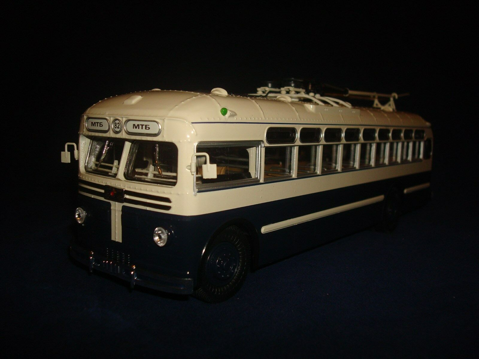 MTB 82 D Trolleybus  Ultra Models 1 43