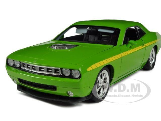 Plymouth Cuda Concept sublime vert 1 18 Modèle de voiture par la route 61 50840