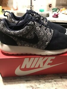 9550d6594f2ca Nike Roshe Run Winter Snow Man Running Yeti Men  Size 11  Limited