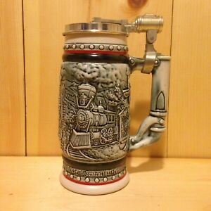 Vintage-Collector-TRIBUTE-TO-TRAINS-Avon-USA-Lidded-Beer-Stein-Gift-MUG