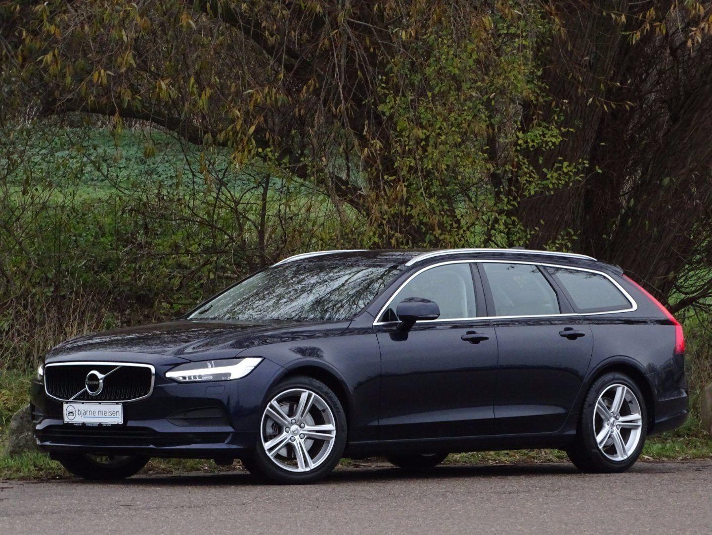 Volvo V90 2,0 D4 190 Momentum aut. 5d - 499.900 kr.