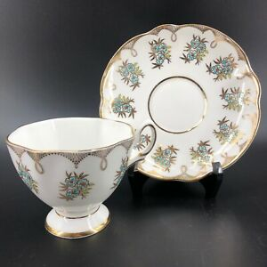 Vintage-Salisbury-Teacup-amp-Saucer-Fine-Bone-China-Made-In-England-Gold-Footed