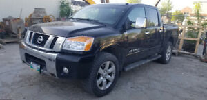 2010 Nissan Titan 5.6 LE