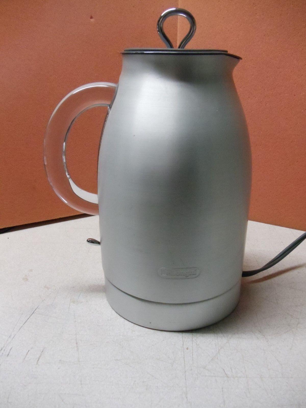 De Longhi Bouilloire électrique DSJ900