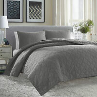 City Scene Moroccan Medallion Gunmetal Grey 3-piece Quilt Set