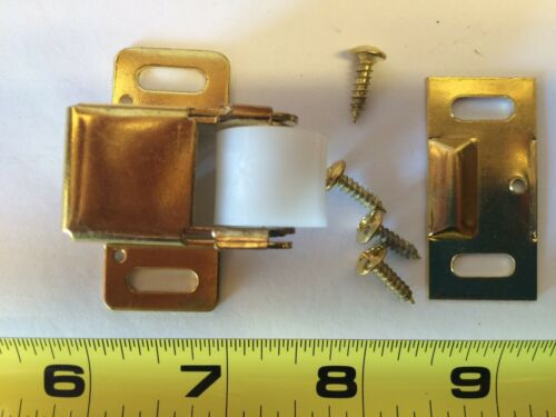 NEW LOT of 20 BRASS Jumbo Roller Catch Latch Cabinet Closure Hardware 403210 US3