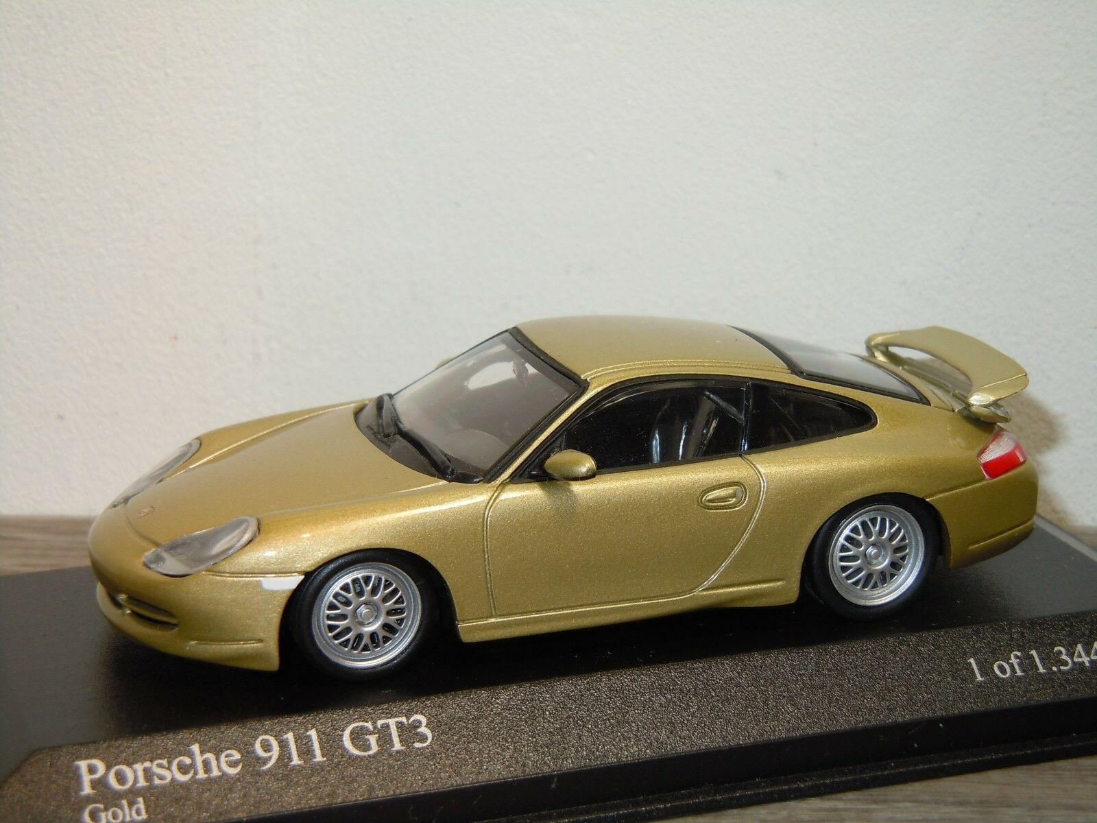 Porsche 911 996 996 996 GT3 1999 - Minichamps 1 43 in Box 34706 5c2618