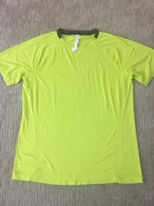 Lululemon-Men-s-XL-Lime-Green-Bright-Yellow-Short-Sleeve-T-Shirt-Top-V-neck
