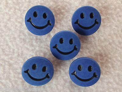 CRAFT// BABIES 5 x LIGHT BLUE SMILEY FACE BUTTONS ~ 24L Approx 15mm