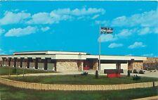 TROIS RIVIERES OUEST HOTEL DE VILLE QUEBEC CANADA POSTCARD 1973