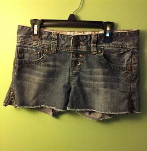 704c3c771b GUESS Women's Denim Jean Shorts Stretch Size 26 Button Fly Raw Hem ...