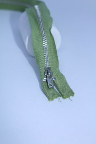 Vintage Regular Metal Zip 15.5 Inches