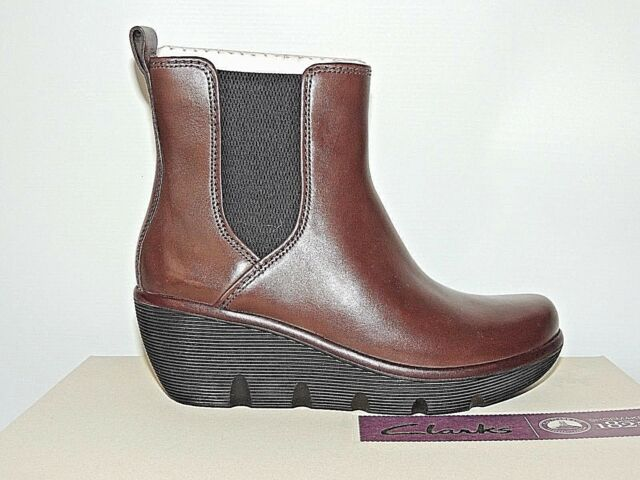CLARKS 'CLARENE SURF' BROWN LEATHER ZIP UP WEDGE ANKLE BOOTS. D FITTING. BNIB
