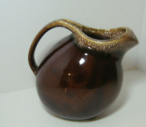 HULL-USA-Vintage-Brown-Drip-Glaze-Pottery-Oven-Proof-Ball-Style-Pitcher-8-in