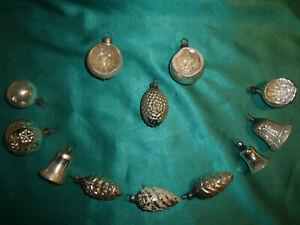 antiker-Christbaumschmuck-Glas-12-Zapfen-Glocken-Reflexkugeln-Formen-silber