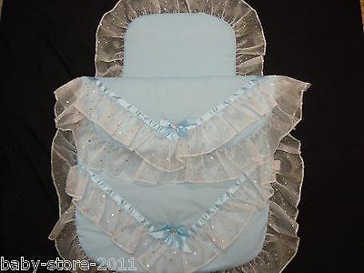 Radient Beautiful Pram Quilt And Pillow Set Blue Romany Style Suitable For Most Prams Una Custodia Di Plastica è Compartimentata Per Lo Stoccaggio Sicuro