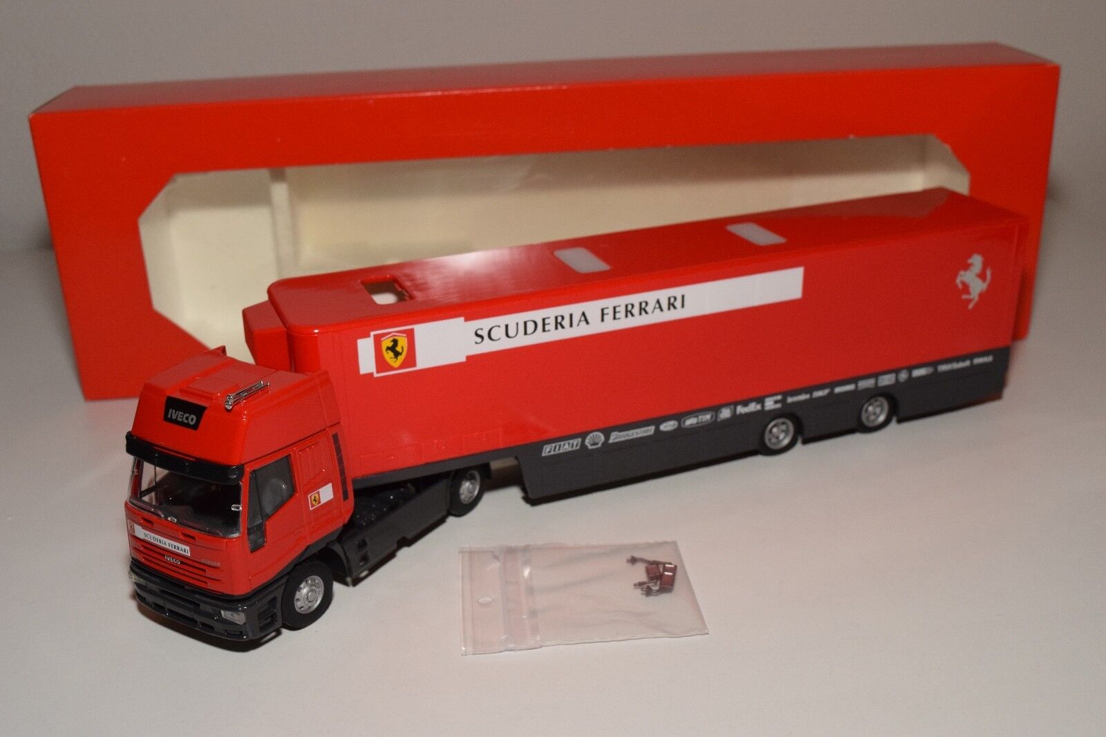 V 1 43 OLD-CARS IVECO CURSOR TRUCK WITH TRAILER F1 TRANSPORTER FERRARI MIB