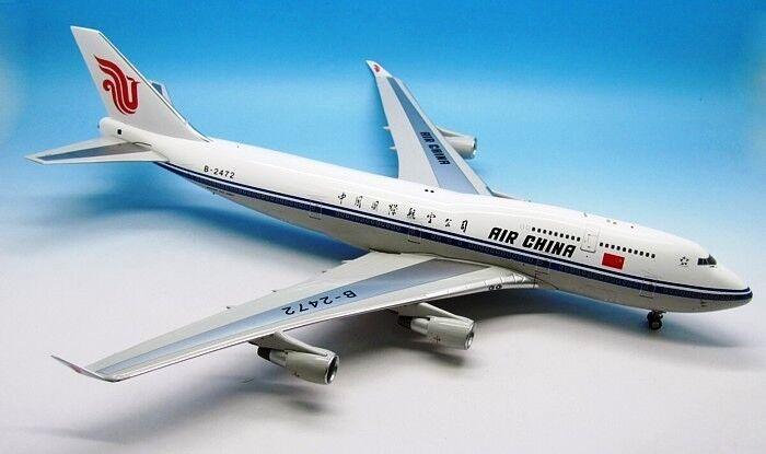 INPLHT 200 IF740515 1  200 AIR KINA BOEING 747 -400 B -2472 MED ståA