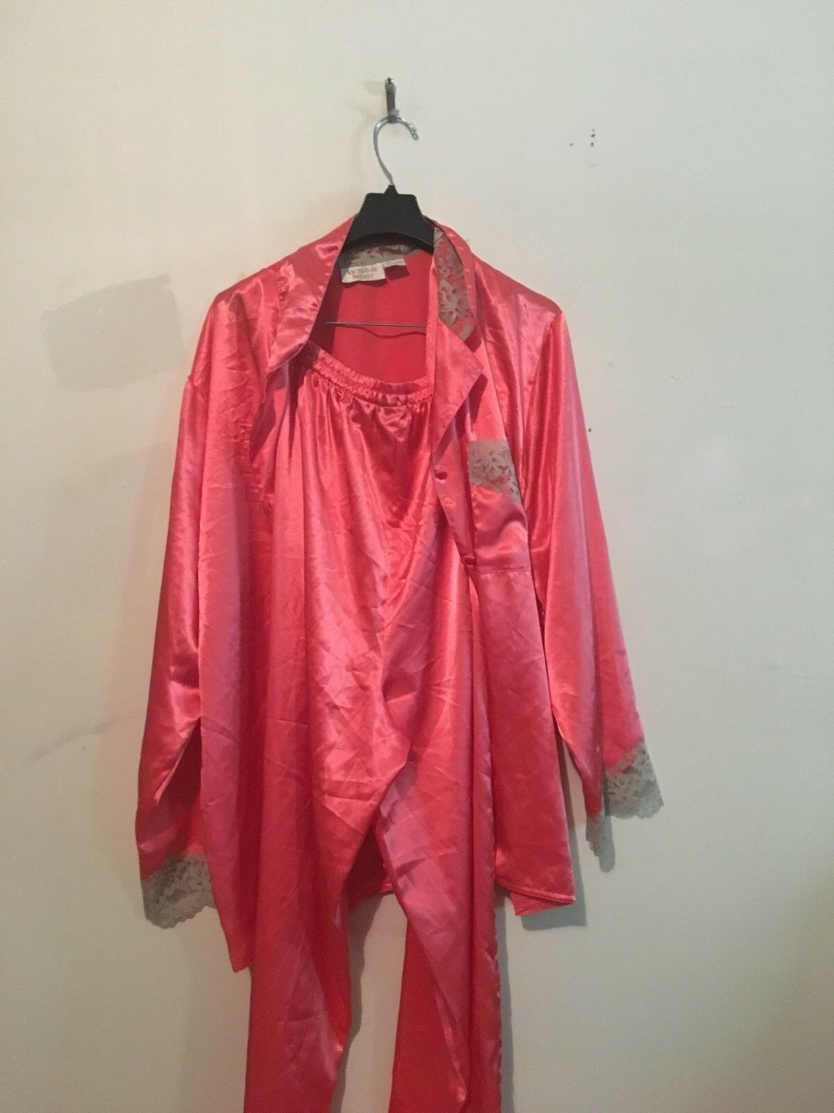Intimates & Sleep Liberal Victoria Secret 100% Silk Shirt Pajama Top Intimate Sleepwaer Size M Choice Materials