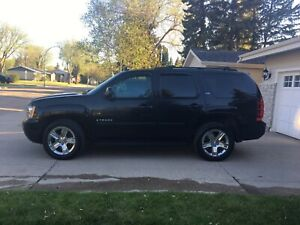 "2007 Chevrolet Tahoe LTZ ""loaded"""