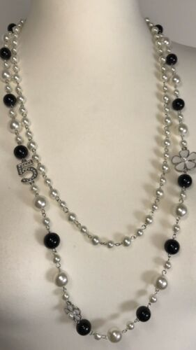 NEW Pearl Necklace Flower Reversible Black /& White 2 Strands Silver Tone Glamour