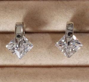 Elegante-Ohrstecker-silber-rhodiniert-mit-funkelndem-Zirkonia-Kristall-Neu