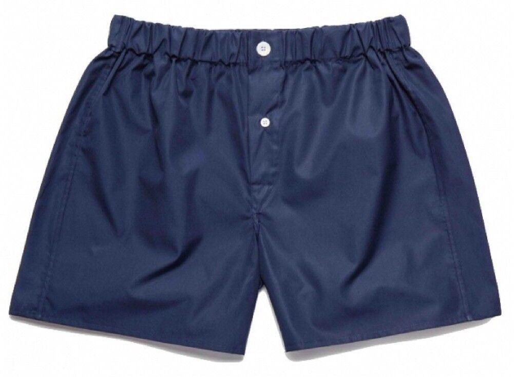 Emma Willis Navy Swiss Cotton Boxer Shorts Underwear Navy Blau Made in England  | Spielzeugwelt, glücklich und grenzenlos  | Mittel Preis  | Louis, ausführlich  | Kaufen Sie online  | Günstige Preise